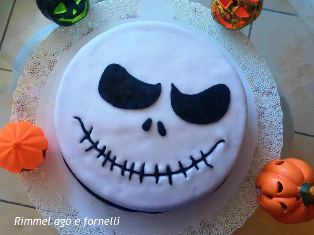 torta di halloween con base agli amaretti